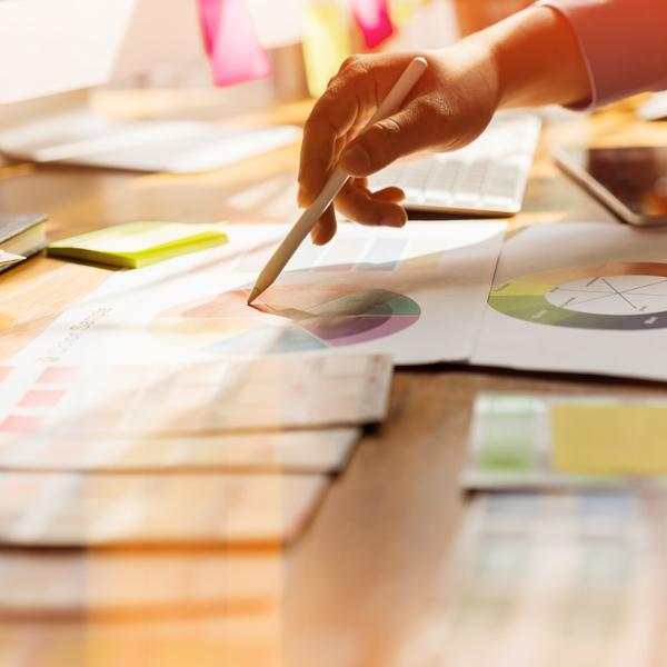 Gestaltung und Entwicklung von Logos